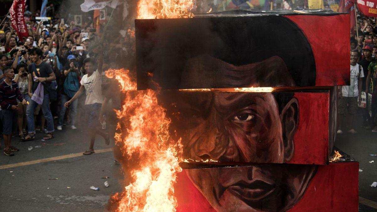 Os 2 anos de Duterte: Destrutivo, Divisivo e Despótico