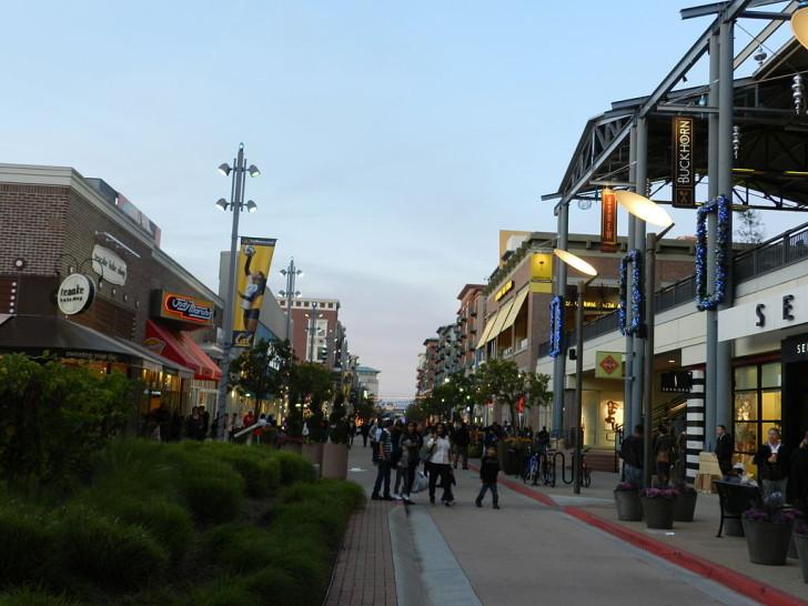 11_Malls_Lifestyle-728x546.jpg